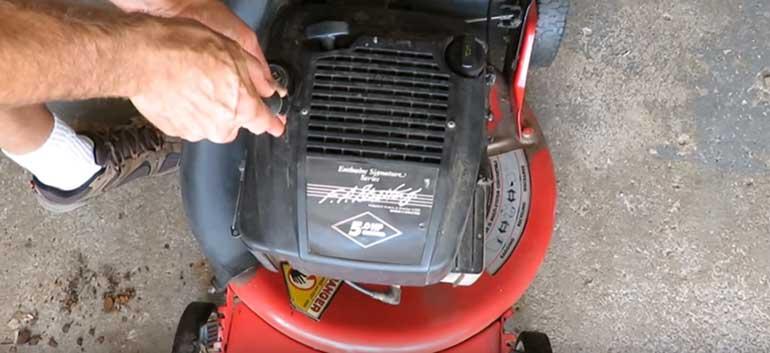 clean a carburetor on a lawnmower