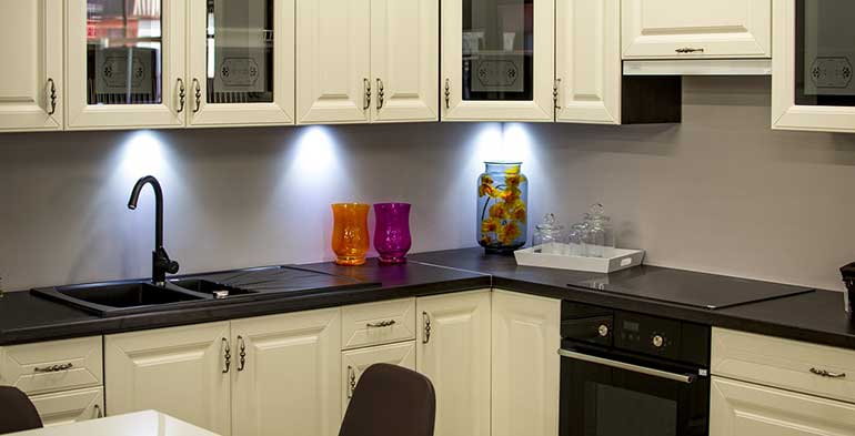 How to Paint Kitchen Cabinets?