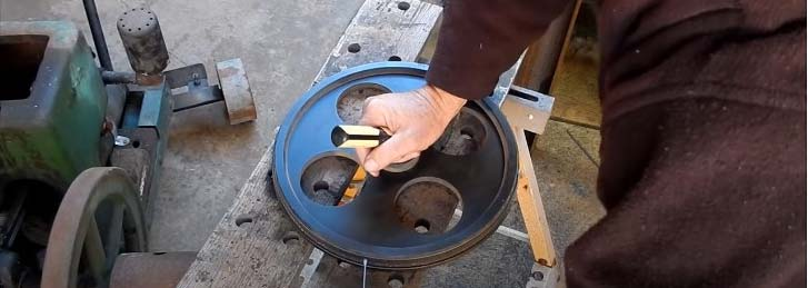 measuring and replacing band saw tires