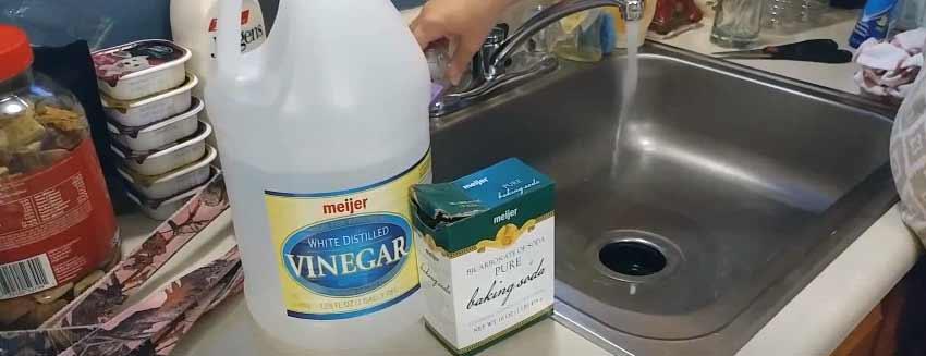 kitchen sink smells like rotten eggs